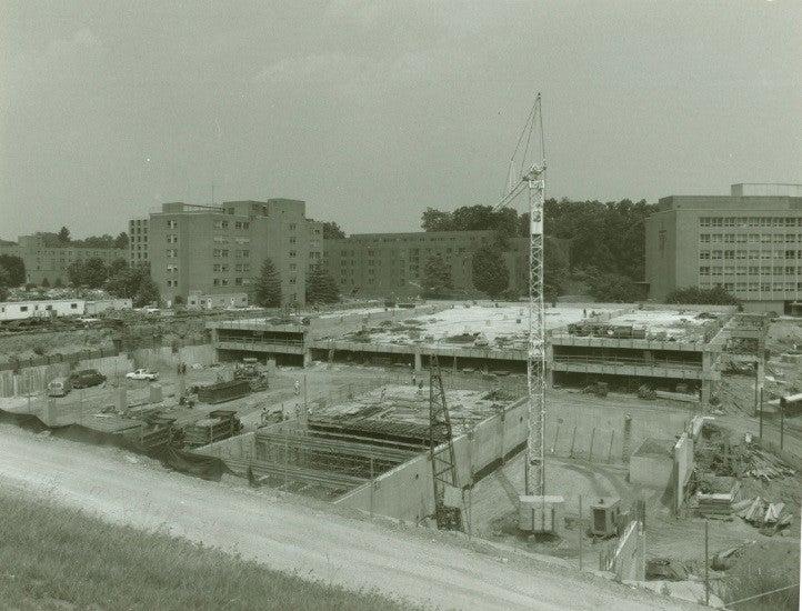 Installation of Georgetown's Thermal Storage Tank